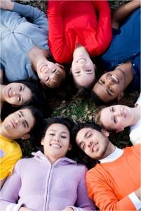 Participarea sociala a tinerilor din comunitaţile romanesti aflate în jurul granitelor Romaniei.