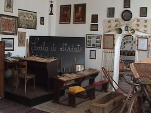 """Despre protejarea patrimoniului, promovarea valorilor locale, utilizarea resurselor educative, prin proiectul """"Colecţiile muzeale rurale între realitate şi aspiraţii - II"""""""