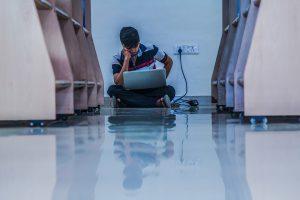 Internetul și mediile de socializare virtuale în viața liceenilor